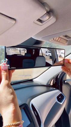 Car Life Hacks, Car Hacks, Car Interior Decor, Car Interior Design, Girly Car, Car Essentials, Car Accessories For Girls, Car Mods, Car Gadgets