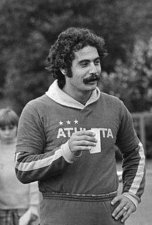 Roberto Rivelino treinando com a seleção brasileira na Copa do Mundo de 1974