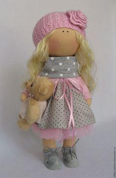 Купить или заказать Куколка Горошинка. в интернет-магазине на Ярмарке Мастеров. Куколка текстильная. Уютная, мягкая, нежная. Одежда сшита из хлопка и трикотажа. Подарит свое тепло и частичку души ее обладателю.