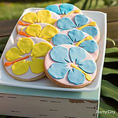 Lei out luau cookies to snack on!