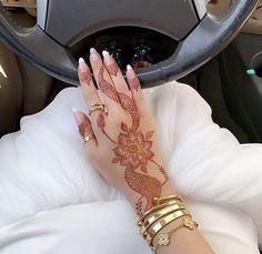 Round Mehndi Design, Modern Henna Designs, Floral Henna Designs, Latest Bridal Mehndi Designs, Modern Mehndi Designs, Mehndi Designs For Girls, Mehndi Design Photos, Mehndi Designs For Fingers, Latest Mehndi Designs