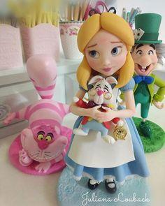 Alice no pais das maravilhas, feita sob encomenda, consulte data disponível, peça com 30 cm