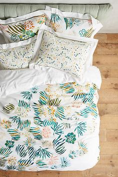 ummmm...are those succulents on that duvet?!  Aprile Duvet - anthropologie.com