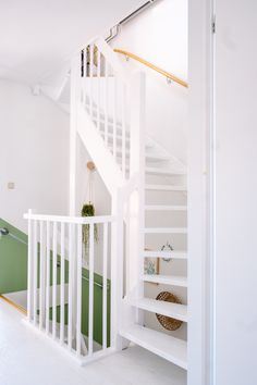 Open Trap, Loft Stairs, New Homes, Interior, House, Furniture, Home Decor, Bedroom, Painting