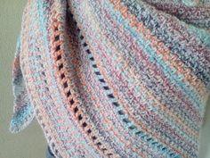 Bekijk dit items in mijn Etsy shop https://www.etsy.com/nl/listing/543446575/large-hand-crocheted-shawlwrapponcho-in