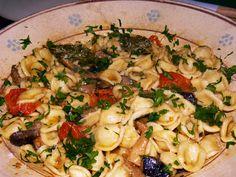 Orecchiette con i Cardoncelli - http://cucinasuditalia.blogspot.it/2008/05/orecchiette-con-i-cardoncelli.html