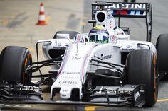 Vocês acham que trocar pneus de terno é fácil? Já se imaginaram fazendo isso? Vejam o que a Williams Martini Racing aprontou em Jerez.   Dentro de instantes iremos transmitir os treinos ao vivo direto de Melbourne. Curtir isso:Curtir Carregando... Relacionado