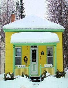 Yellow cottage in the snow Little Cottages, Small Cottages, Little Houses, Big Houses, Yellow Cottage, Cute Cottage, Cottages And Bungalows, Cabins And Cottages, Tiny House Living