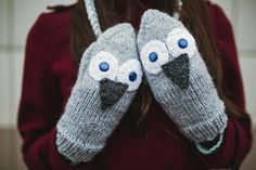 Cute and Warm Hand knitted Gray Owl Mittens. Wool by NatalieKnit
