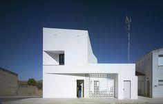 Gallery of 3+2 Social Housing / Antonio Holgado Gómez - 18