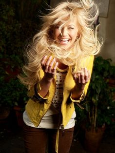 Gorgeous, stylish, genuine, ridiculously breathtaking on the dance floor, and sweet to boot. I want 2 B Julianne Hough!