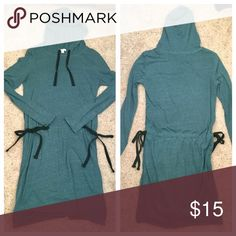 """Gap Casual Dress Gap casual dress with drawstring ties at waist. I'm 5'7"""" and this hits just above my knees. Worn 3 times. Great condition. GAP Dresses Long Sleeve"""