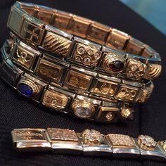 Charm Jewelry, Jewelry Bracelets, Jewellery, Nomination Charms, Charmed, Jewels, Gold, Ideas, Jewelry Shop