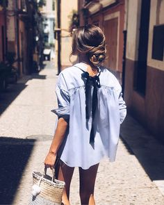 ✯ Find more trendy outfits, Wear boots and dress outfits, designer dresses and maternity Wear. And more online shop womens clothing, shop the look women's and fashion outfits for women. Spring Summer Fashion, Spring Outfits, Style Feminin, Style Outfits, Trendy Outfits, Dress Outfits, Mode Inspiration, Looks Style, Mode Style