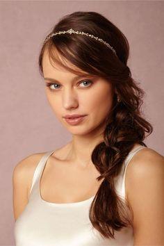 coiffure facile à faire et élégante: tresse sirène sur le côté avec bandeau