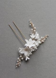 Beautiful Buds | Soft ivory floral hair pin with pearls