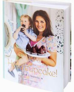 Kokböcker, både för matlagning och bak. Enda kravet är att de är snygga med fina och många bilder.  Leilas böcker är bra gjorda, se det som en liten riktlinje (behöver absolut inte vara hennes).