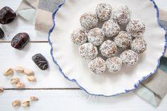 Superfood-Energy-Balls - gesund, pflanzlich, vegan, ohne raffinierten Zucker, ohne Milch, glutenfrei
