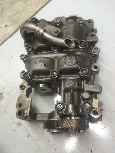 gruppo pompa olio Audi A4, rottura dell'albero di trasmissione moto alla pompa. #officina #meccanica #verona #manganottiservice