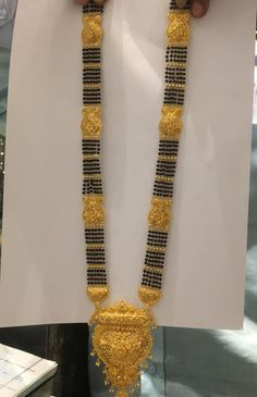 Gold Chain Design, Gold Ring Designs, Gold Bangles Design, Gold Earrings Designs, Small Necklace, Gold Necklace, Gold Temple Jewellery, Gold Mangalsutra Designs, Gold Models