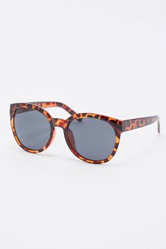 Dreamer Vintage Sunglasses in Tortoiseshell - Urban Outfitters