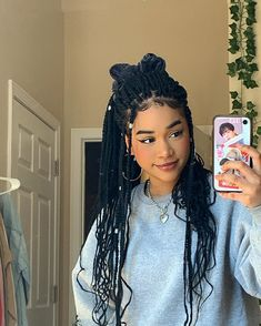 """☽ kiara 𖤐 no Instagram: """"How's staying at home going for y'all?"""" Short Box Braids Hairstyles, Braids Hairstyles Pictures, Black Girl Braided Hairstyles, African Braids Hairstyles, Baddie Hairstyles, Prom Hairstyles, Pelo Guay, Curly Hair Styles, Natural Hair Styles"""