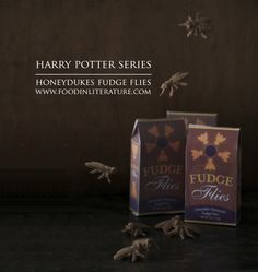 Honeydukes Fudge Flies recipe from the Harry Potter Series. Perfect for a party favor for a Harry Potter party! Harry Potter Candy, Harry Potter Food, Harry Potter Halloween, Harry Potter Christmas, Harry Potter Theme, Harry Potter Birthday, Food Themes, Party Themes, Party Ideas