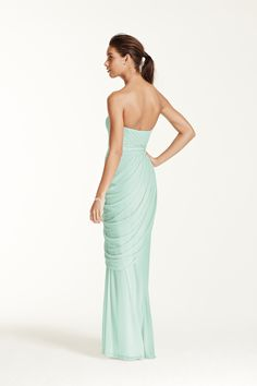 Breathtakingly beautiful, your wedding party will look beautiful in this Grecian inspired dress!