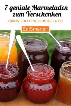 Kastanienmarmelade, Löwenzahngelee und Co. Ein perfektes Geschenk für den Muttertag: selbstgemachte Marmelade. Damit es nicht immer nur Erdbeermarmelade ist, gibt es hier tolle Rezeptideen für kreative Marmeladen.   eatsmarter.de #marmelade #geschenk #muttertag #zucchini #brombeer #kürbis Chutneys, Hummus, Dips, Food And Drink, Dipping Sauces, Pudding, Desserts, Kindergarten, Jam Jam