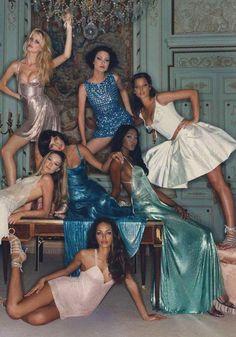 Claudia Schiffer, Shalom Harlow, Christy Turlington, Carla Bruni, Linda Evangelista, Naomi Campbell & Brandi Lee Quinones.