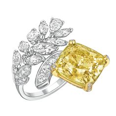 Chanel- Ring from #Les Blés De Chanel - FineJewelry collection in platinum and 18K yellow gold set with an 15.2 carat #CushionCut fancy #YellowDiamond and FancyCut - Diamonds - July 2016