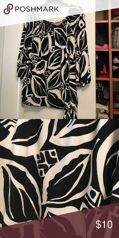 Blousy top Black and white bold print. Ties on the side. Looks great with leggings or pencil skirt. peck and peck Tops Blouses
