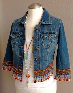 Mini irridescent multi colored tassels embellished boho chic bohemian inspired one of a kind up Denim Fashion, Boho Fashion, Fashion Outfits, Fashion Trends, Outfits Hipster, Boho Chic, Mode Statements, Bohemian Schick, Bohemian Style Clothing