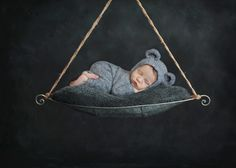 www.sunnys-hphotography.com ?instanceId=2&pageBuilderWidgetId=6281&blogId=3314&page=149852&load=imgFull&idx=0&referrer=home%2F9-day-old-dominic-winnipeg-newborn-photography&ms=1520102520837&