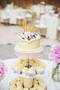 Petite Cutting Cake and Cupcake Display