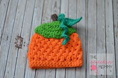 This cute pumpkin hat pattern is available in month old size. Enjoy this Crochet Puff Stitch Pumpkin Beanie Pattern by The Stitchin Mommy! Thanksgiving Crochet, Crochet Fall, Halloween Crochet, Crochet Baby Hats, Free Crochet, Crochet Beanie, Crotchet, Ravelry Crochet, Crocheted Hats