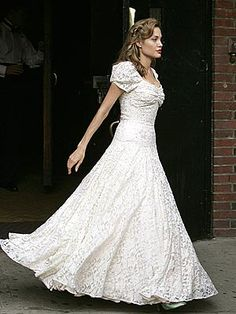 Angelina Jolie vintage wedding dress in 'Good Shepherd' Cheap Vintage Wedding Dresses, Movie Wedding Dresses, Vintage Bridesmaid Dresses, Wedding Movies, Country Wedding Dresses, Wedding Dress Styles, Vintage Dresses, Wedding Gowns, Bride Dresses