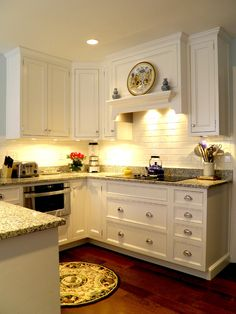 venthood Traditional Kitchen Kitchen Cooktop Design, Pictures, Remodel, Decor and Ideas - page 6