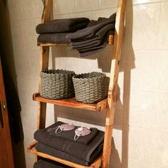Toalleros hecho de palets a medida y color a elección Towel, Cool Tools, So Done, Furniture, Colors, Towels