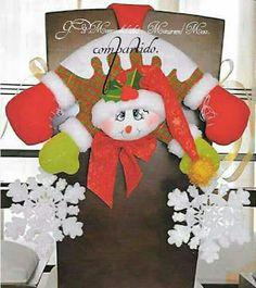 .El Rincon de Ana Maria: CUBRE SILLAS NAVIDEÑOS MOLDES Y VIDEOS GRATUITOS - Autoria y credito en las fotos Christmas Ornament Template, Christmas Ornaments, Chair Covers, Elf On The Shelf, Birthday Candles, Christmas Stockings, Christmas Holidays, Origami, Projects To Try