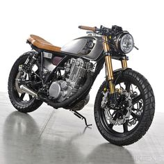 Analog Custom 1979 Yamaha SR500 | Gear X Head