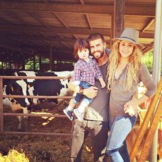 Family photo op! Soccer stud Gerard Pique posted an adorable family photo with his girlfriend Shakira and their 18-month-old son Milan.