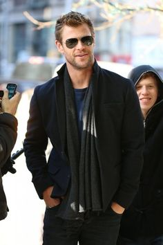 ~~Chris Hemsworth Photos - Chris Hemsworth Heads to His Hotel - Zimbio~~