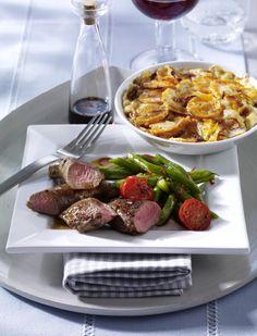 Unser beliebtes Rezept für Süßkartoffelgratin zu Lamm mit grünen Bohnen und mehr…