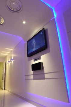 Uplighting effect with the use of led strip lights and Led strip lighting ideas