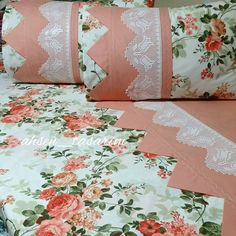 Prachtige 21 slaapkamers kanten piqué dekbedovertrek bruidssets - Apocalypse Now And Then Fabric Flower Tutorial, Fabric Flowers, Cottage Cushions, Bed Cover Design, House Front Porch, Plastic Bottle Art, Baby Sheets, Apple Decorations, How To Dress A Bed