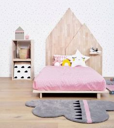 5 Creative Kids' Bedroom Decor Ideas - Decorating kids' bedroom can be tricky, because kids always full of imagination that they may constantly going back and forth on their favorite theme. Girls Bedroom, Bedroom Decor, Trendy Bedroom, Room Girls, Boy Room, Bedroom Furniture, Kids Wall Decor, Decor Mural, Baby Decor