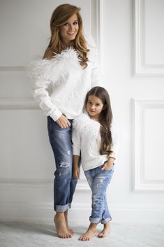 super Ideas for baby fashion twin Mother Daughter Pictures, Mother Daughter Fashion, Mom Daughter, Mother Daughters, Mommy And Me Outfits, Girl Outfits, Fashion Kids, Mode Lolita, Mother Daughter Photography