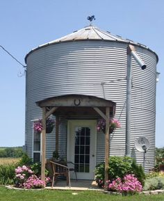 The enchanting B&B features a charming cottage house you can book. But, for a truly unique experience, reserve the restored grain bin for a relaxing getaway. Silo House, Up House, House Floor, Grain Silo, Backyard Gazebo, Tiny Cabins, Small House Plans, Cottage Homes, Farm Life