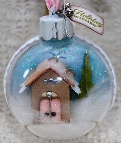 Look at this ornament...and the rest of her cute stuff that she crafts. Amazing.